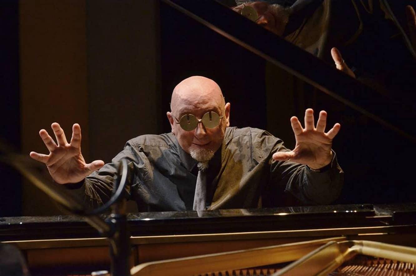 2 Aprile: Mauro Sabbione in concerto